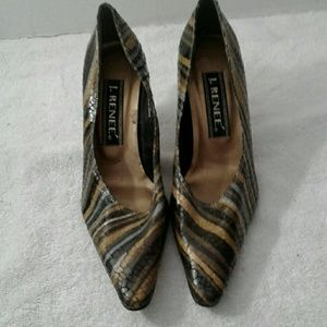 Beautiful J.Renee Pumps
